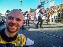 Parce qu'au milieu d'un spectacle on a toujours le temps de prendre un selfie !