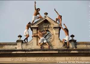 Un léger détournement de l'usage initial de l'horloge de Pernes les Fontaines, pour le festival Font'arts 2018.