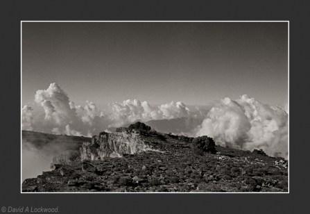 Jebel Shams - late afternoon