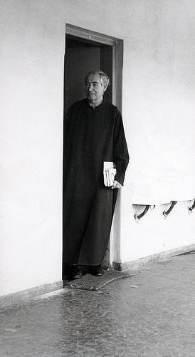 Padre era tímido e não gostava de ser fotografado sozinho (Foto: Acervo da Ordem do Carmo)