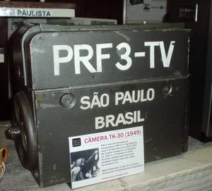 Uma das primeiras câmeras da TV Tupi; filme precisava ser revelado (Foto: Reprodução)