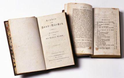 Versão original do Kinder- und Hausmärchen, publicado em 1812 (Foto: Museu Histórico Alemão)