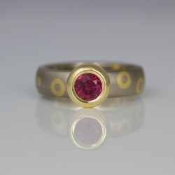 modern gold ruby ring