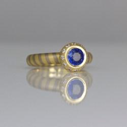 contemporary sapphire diamond ring
