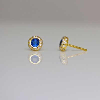 Perfect sapphire diamond ear-studs