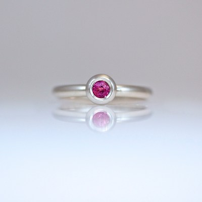 ruby rub-over set Platinum ring
