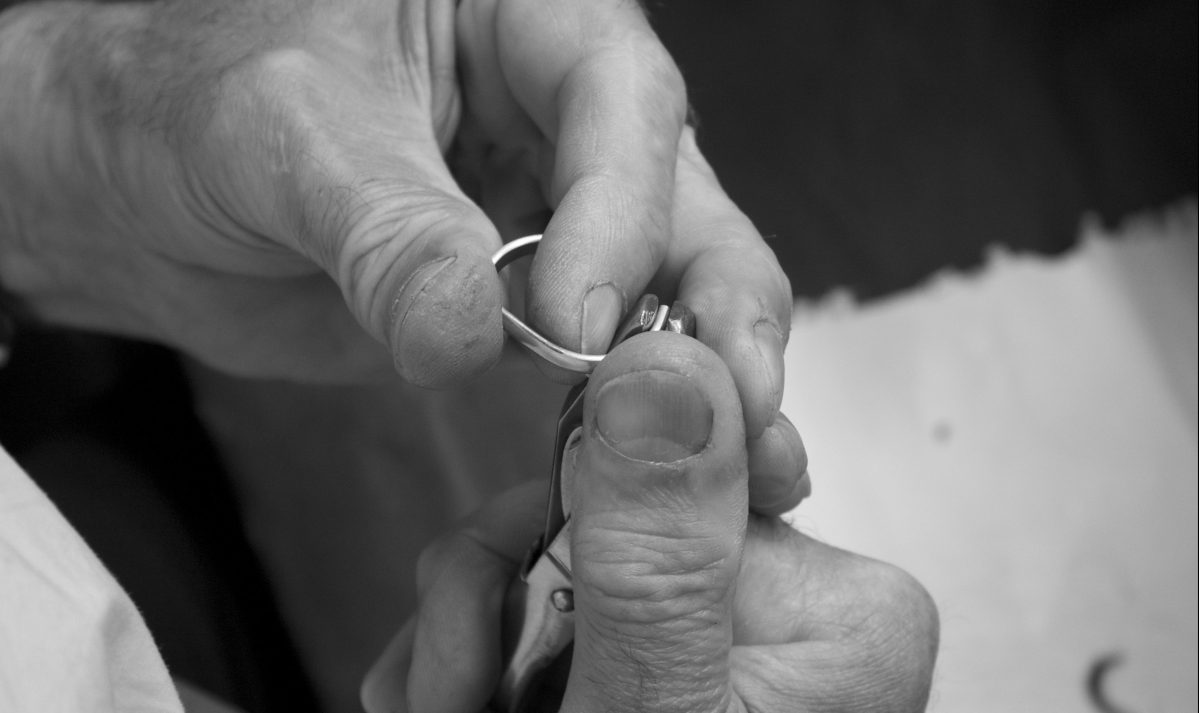 The advantages of truly handmade jewellery