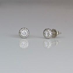 Perfect diamond platinum ear-studs