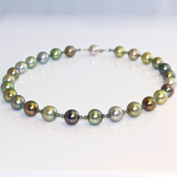 Tahitian pearl necklace fancy colour diamonds & sapphires