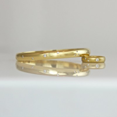 flush set diamond gold bangle