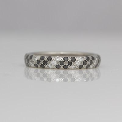Black & white daimond ring