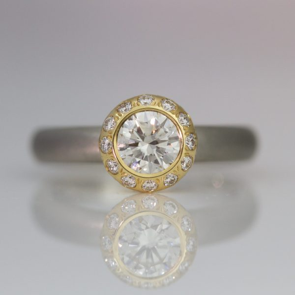 Modern diamond halo ring 1028