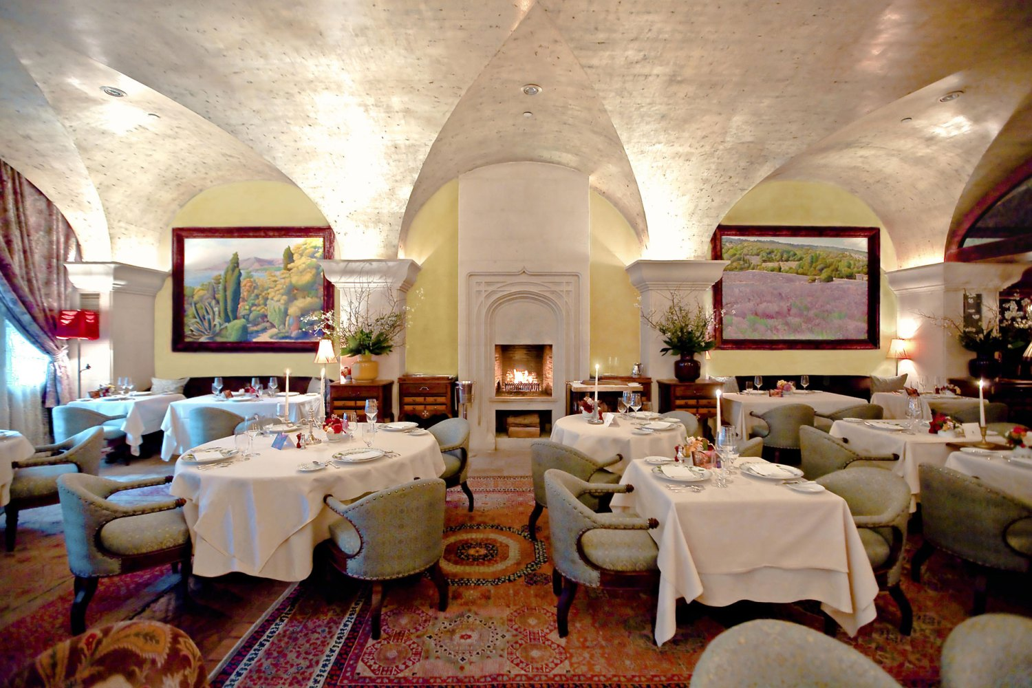 Bouley Main Dining Room (History - Bouley Restaurant at 163 Duane in the Mohawk Building)