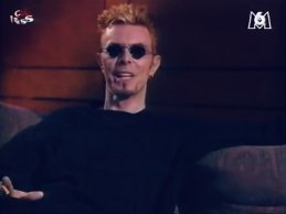 David Bowie – Interview & live clips, Paris, Rock Express (May '97)