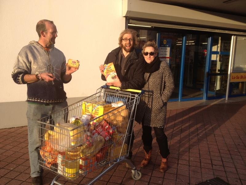 Beth and Me trolley Calais