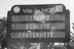 Nizza - Queste parole oggi me sembrano completamente svuotate del loro significato, ma leggerle fa comunque battere un po' più forte il cuore.