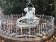 fontana con rospi