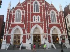 La chiesa di Sant'Antonio a Greenpoint.