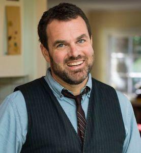 Photo of Grant Faulkner smiling