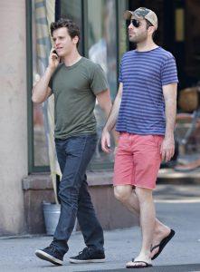 Zachary Quinto et Jonathan Groff en balade