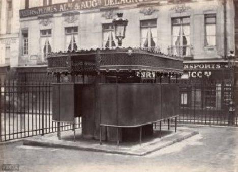 Sanisettes Parisiennes d'époque - Le jour
