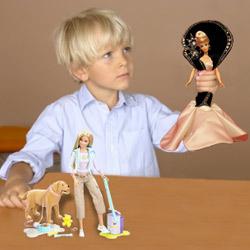 Un garçon et sa Barbie