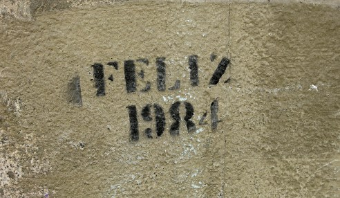 street art graffiti - Salamanca Spain - Feliz 1984