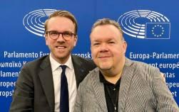 Jag fick ett besök av vår gruppledare i riksdagen, Andreas Carlson, som tittade förbi. Vi hann prata om allt möjligt, såsom det politiska läget i både riksdagen och Europaparlamentet.