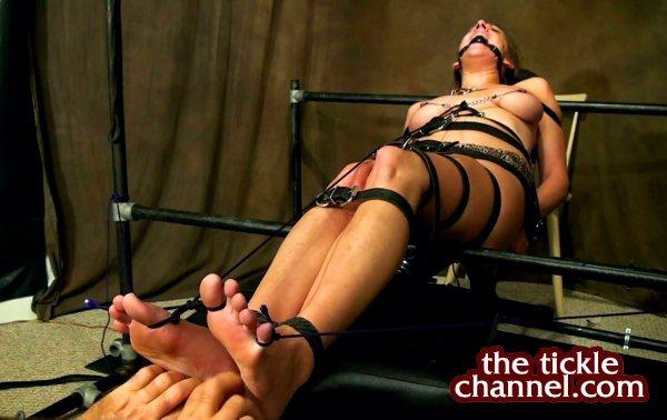 Cam Girl Foot Tickle