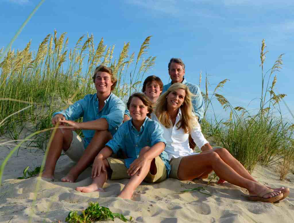 David Mize Real Estate Broker family at the beach