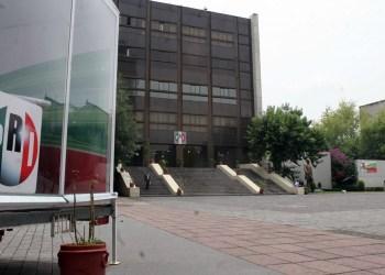 17NOP* 04 DE JULIO DE 2006 *INFORMA* ---FOTO DIGITAL MIGUEL ESPINOSA--- EN LA FOTO:   ASPECTO DEL CEN DEL PRI DESPUES DE LA DERROTA EN LAS VOTACIONES DEL PASADO 2 DE JULIO.