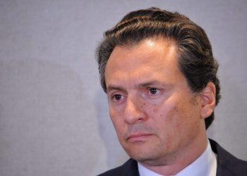 CIUDAD DE MÉXICO, 17AGOSTO2017.- Emilio Lozoya, ex director de PEMEX, en compañía de sus abogados Javier Coello Trejo y Javier Coello Zuarth, ofreció una conferencia para hablar sobre los señalamientos de que recibió sobornos de la empresa brasileña Odebrecht. FOTO: DIEGO SIMÓN SÁNCHEZ /CUARTOSCURO.COM