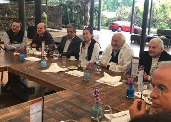 Empresarios de Morelos, reunidos con la secretaria de Economía del gobierno estatal, Cecilia Rodríguez. Foto: Especial)