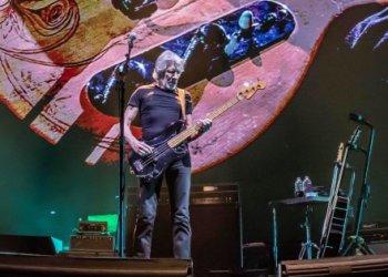 MEX022. CIUDAD DE MÉXICO (MÉXICO), 29/11/2018.- Fotografía cedida por Ocesa que muestra al músico británico Roger Waters mientras actúa este miércoles, 28 de noviembre de 2018, en el Palacio de los Deportes de Ciudad de México (México). El músico británico cerró su gira Us+Them, tras dos años de ausencia en escenarios mexicanos. EFE/Cesar Vicuña /OCESA/SOLO USO EDITORIAL