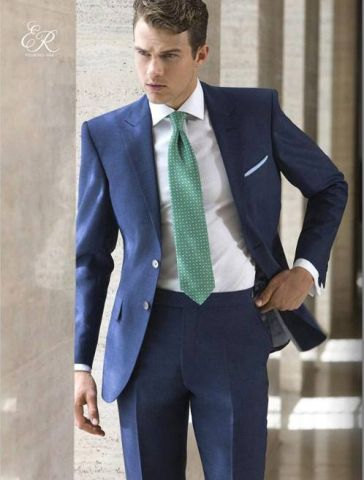 Recomendaciones de trajes azul marino en época de calor 3