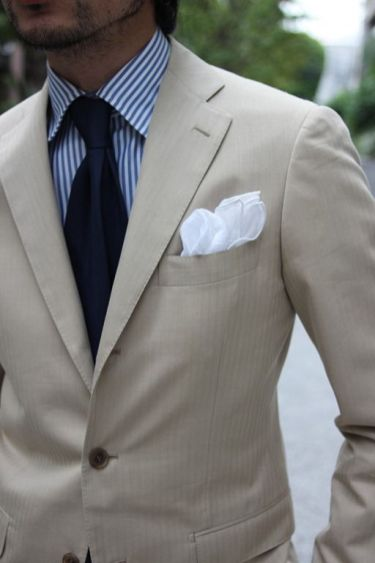 traje_beige_hombre