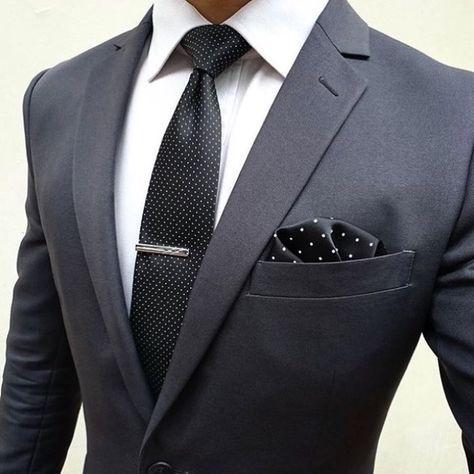Combinación elegante con Traje gris