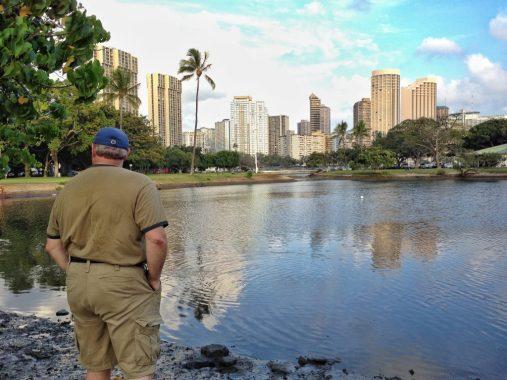 Strolling Honolulu