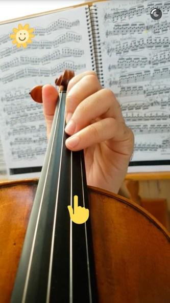 snapchat-musica-clasica-david-peralta-alegre-estudiando-violin