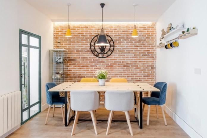 minimalist industrial dinning table