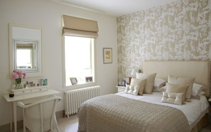 Minimalist Shabby Chic Bedroom