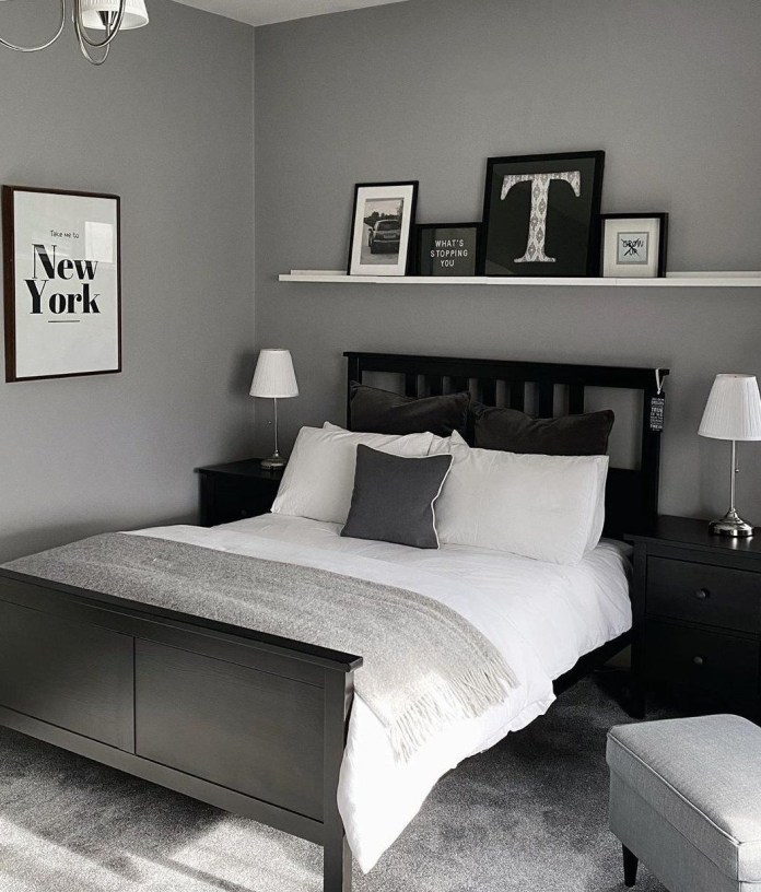 Monochrome Theme With Gray Wall