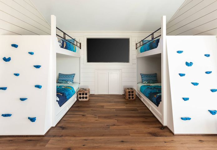 Climb The Wall on The Bunk Beds