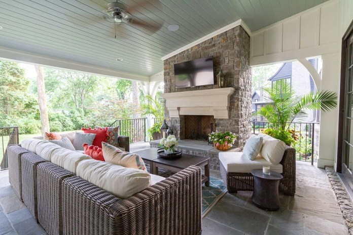 Semi Outdoor Living Room