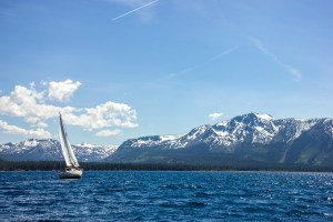 sailing-lake-tahoe