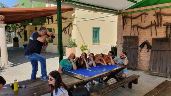 """Rueda trabajando con los participantes del proyecto """"New Tools for Employability"""""""