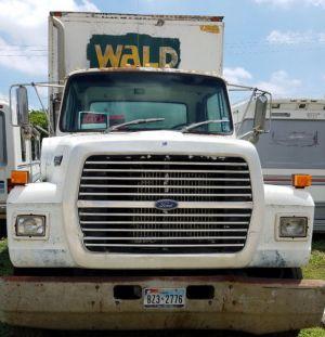 1990 Ford L8000 24' Foot Diesel Box Truck  6 Speed Manual