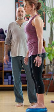 therapeutic yoga with leslie kaminoff - chronic muscle tension and nerve pain