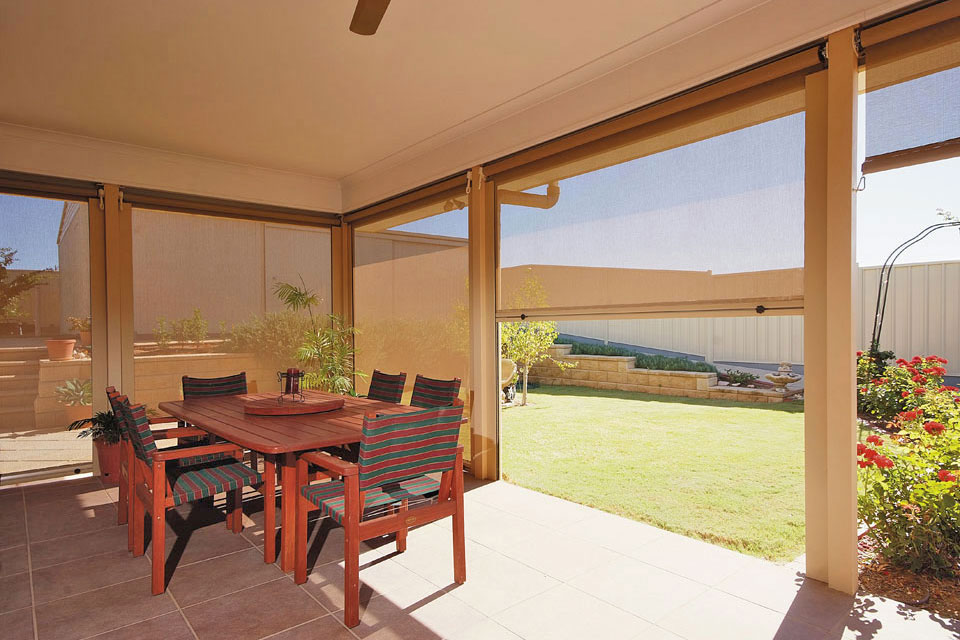 the benefits of outdoor blinds