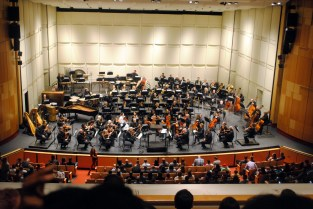 Phoenix Symphony. Star Wars vs. Star Trek